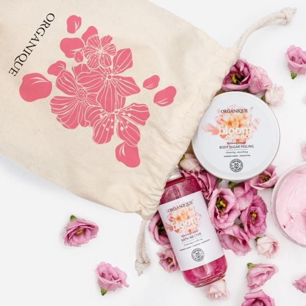 Regenerujący peeling cukrowy Bloom Essence