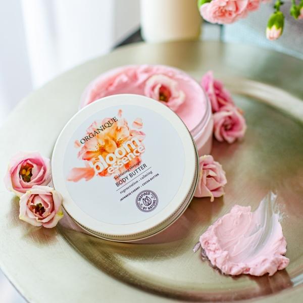 Zestaw Bloom Essence masło do ciała + żel pod prysznic + peeling + eko worek