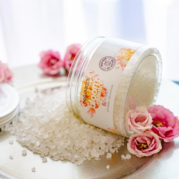 Relaksująca sól do kąpieli Bloom Essence